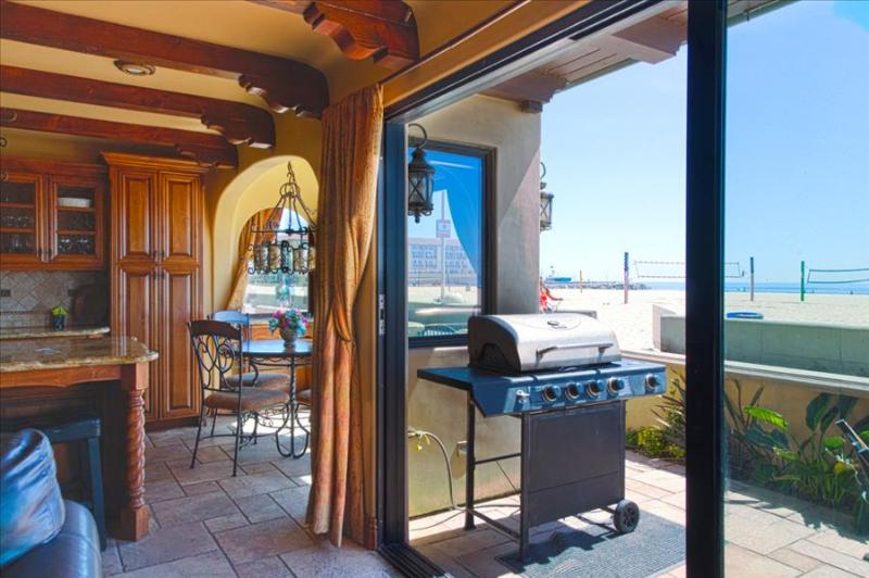 Ocean Front Luxury 6 - Large BBQ Terrace, Perfect for An Amazing Beach Retreat! - Image 1 - Hermosa Beach - rentals