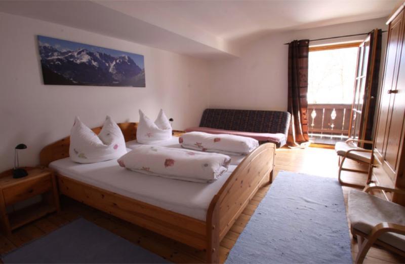 Vacation Apartment in Garmisch-Partenkirchen - 1012 sqft, nice, clean, relaxing (# 965) #965 - Vacation Apartment in Garmisch-Partenkirchen - 1012 sqft, nice, clean, relaxing (# 965) - Garmisch-Partenkirchen - rentals