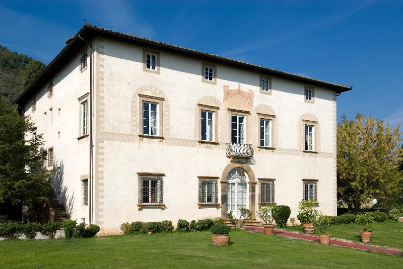 Luxury Tuscan Villa for Large Group Near Lucca - Villa Seta - Image 1 - Lucca - rentals