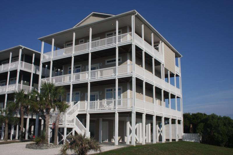 8BR Oceanview, Elevator, Private Heated Pool, Wrap-around Decks with Fantastic Ocean View - Oceanview 8BR; Heated Pool; Elevator; 70in SmartTV - Ocean Isle Beach - rentals