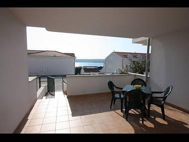 B2(2+2): covered terrace - 4421 B2(2+2) - Milna (Brac) - Milna (Brac) - rentals