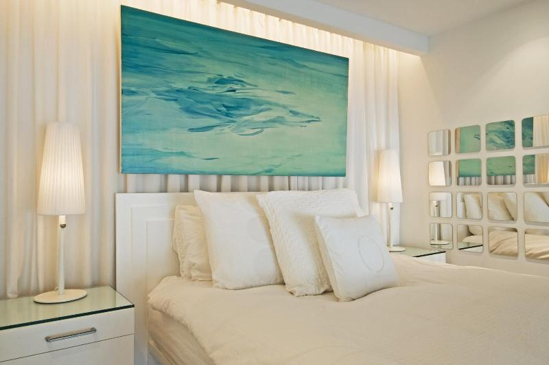 Luxury Special: $299 for stays through March 31 - Image 1 - New York City - rentals