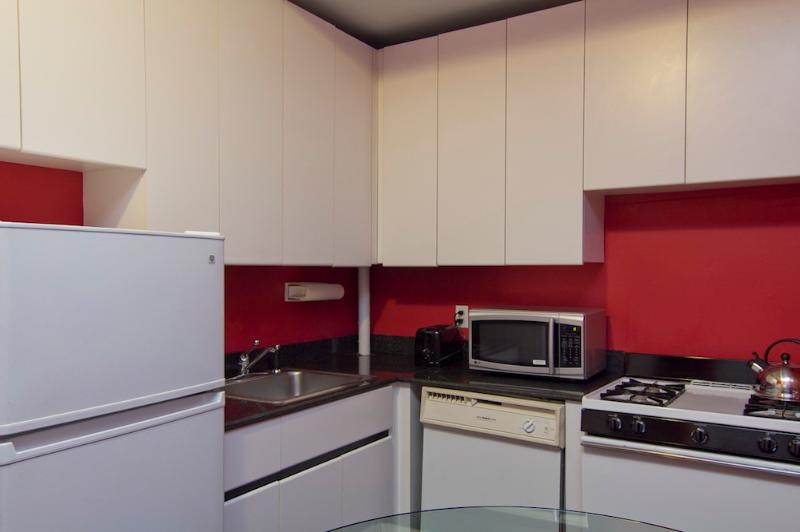 Kitchen appliances and utensil included - Sleeps 6! 2 Bed/1 Bath Apartment, Midtown East, Awesome! (6785) - Manhattan - rentals
