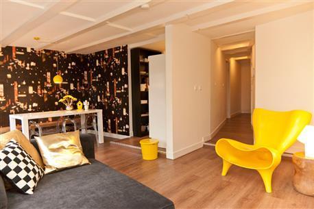 Rembrandt square Apartment C - Image 1 - Amsterdam - rentals