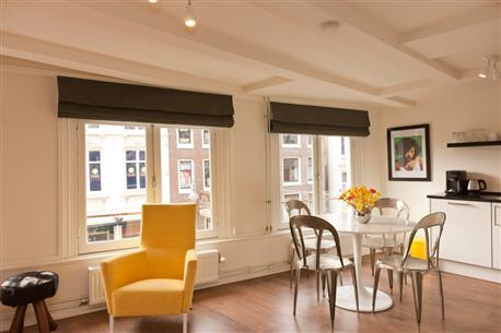 Rembrandt square Apartment B - Image 1 - Amsterdam - rentals