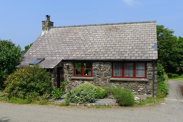 Pet Friendly Holiday Cottage - Efail Fach, Trefin - Image 1 - Trefin - rentals