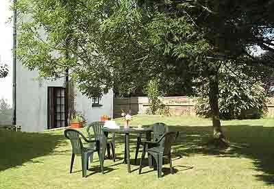 Pet Friendly Lodge - Honeysuckle Lodge, Bosherston - Image 1 - Pembrokeshire - rentals