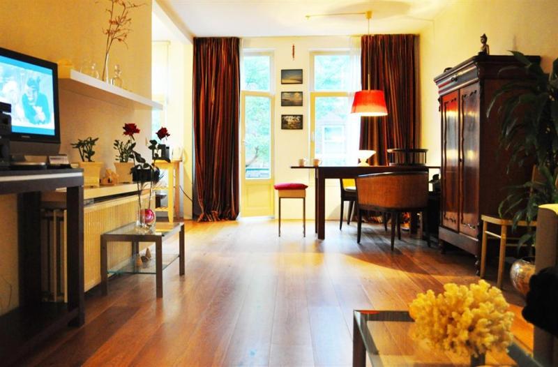 Living room Overtoom apartment Amsterdam  - Overtoom Apartment - Amsterdam - rentals