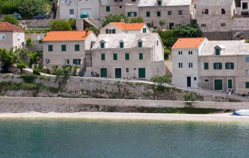 Traditional Dalmatian stone house 10m from beach - Image 1 - Pucisce - rentals
