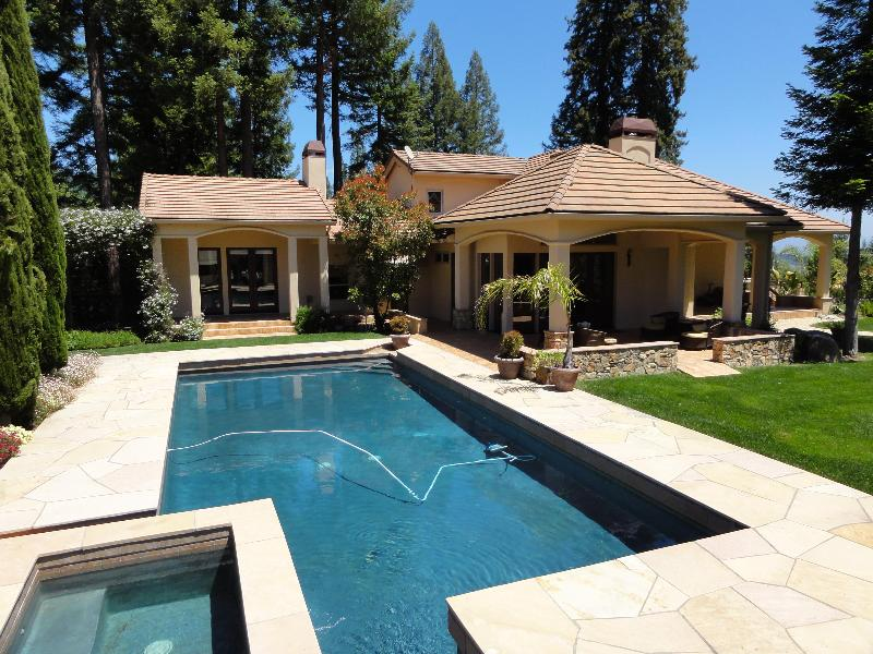 Pool to Portico - Panoramic Villa - 4 King Bedrooms, ALL En Suite - Healdsburg - rentals