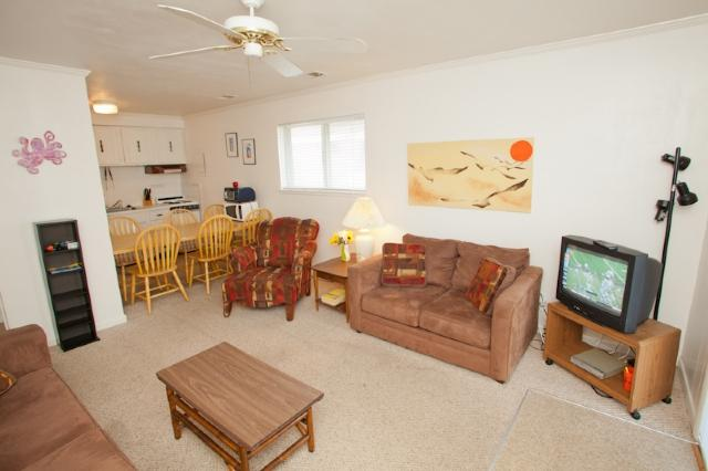 Living Area - Mai Kai 3A - Virginia Beach - rentals
