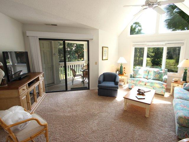 Living area - Colonnade Club, 166 - Hilton Head - rentals