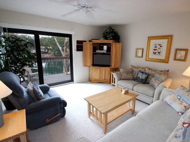 Living area 2 - Island Club, 137 - Hilton Head - rentals