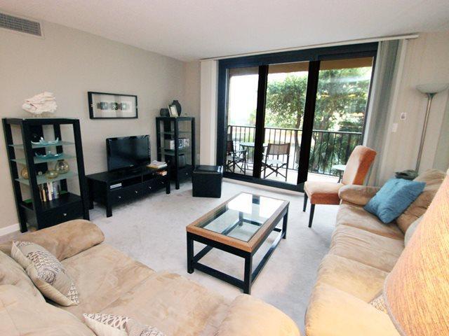 Living area 2 - Island Club, 6204 - Hilton Head - rentals
