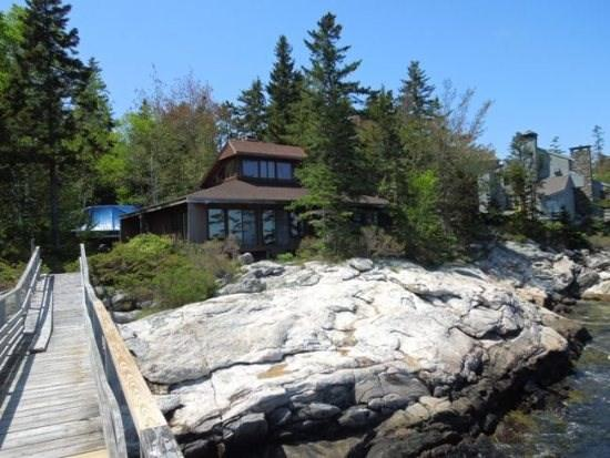 A view of Docs Place - DOC'S PLACE| SOUTHPORT ISLAND | NEAR CAPE NEWAGEN | CONTEMPORARY COTTAGE| SUNKEN STONE FIREPLACE | PRIVATE FLOAT & DOCK | VIEWS OF THE OPEN OCEAN | FAMILY RETREAT | GIRL'S WEEK - Boothbay - rentals