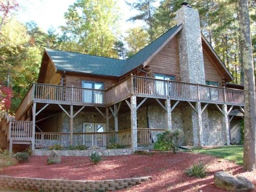 Exterior - Mountain Sky-Log Home Perfect For Families, Hikers, & Bikers: 2 min. to Blue Ridge Pkwy! - Asheville - rentals