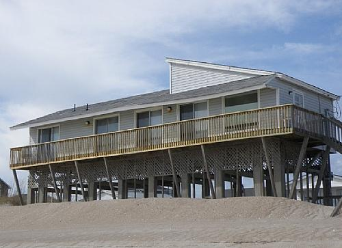 Oceanfront Exterior - Sea Mist - North Topsail Beach - rentals