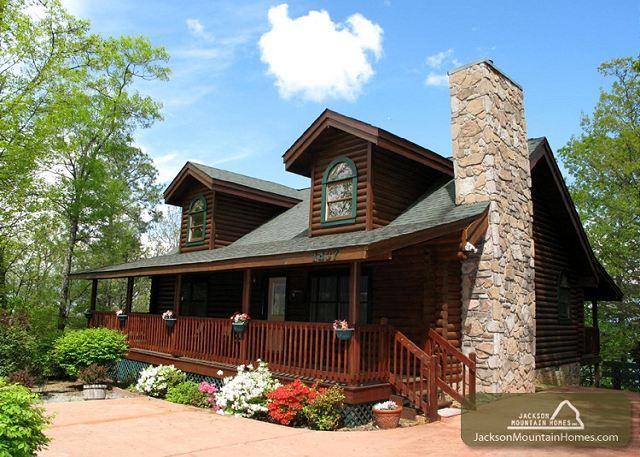 Alpine Ski Lodge   Near Ober  Jetted Tub  Hot Tub  WiFi    Free Nights - Image 1 - Gatlinburg - rentals