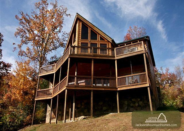 Appalachian Lodge  Stunning View Privacy Hot Tub Pets WiFi Free Nights - Image 1 - Gatlinburg - rentals