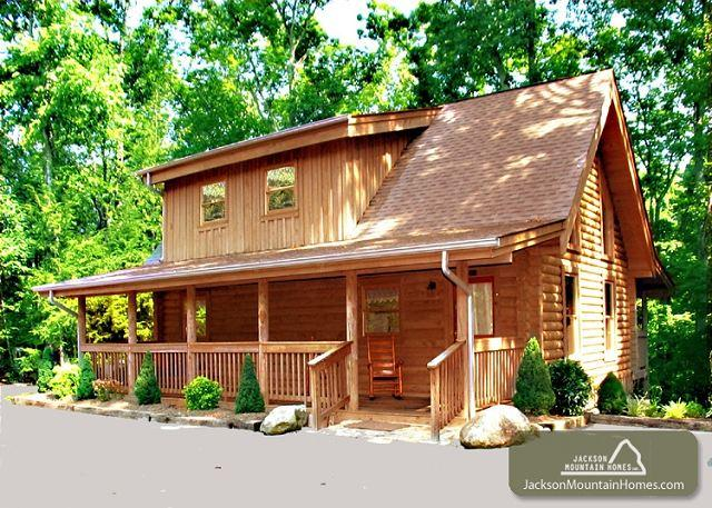 Buckhorn  Jetted Tub  King Beds  WiFi  Fireplace  Hot Tub  Free Nights - Image 1 - Gatlinburg - rentals