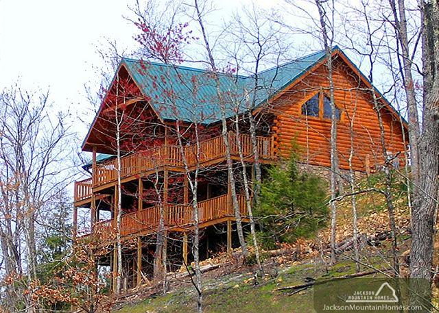 Eagles Point Lodge  Mtn View Pool Access Hot Tub Game Room Free Nights - Image 1 - Gatlinburg - rentals