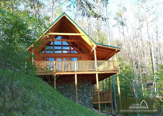 Ravenswood Lodge   Pool & Clubhouse Access Privacy Views   Free Nights - Image 1 - Gatlinburg - rentals
