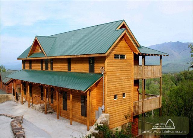 Smokerise Lodge  Mtn Views  2 Hot Tubs  Pets  Pool Access  Free Nights - Image 1 - Gatlinburg - rentals