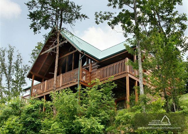 Summit Lodge   Mountain Views Pool Access 2 Arcades WiFi   Free Nights - Image 1 - Gatlinburg - rentals