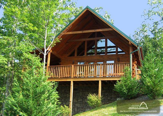 Whisper Mountain  Hot Tub Privacy Mountain View Pets WiFi  Free Nights - Image 1 - Gatlinburg - rentals