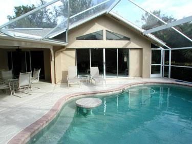 Pool - House in Park Shore - Naples - rentals