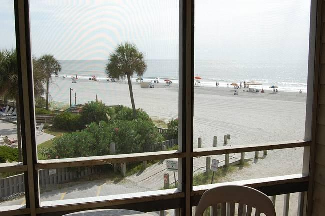Pelican's Watch Condo Rental in a Great Location and with a Jacuzzi - Image 1 - Myrtle Beach - rentals