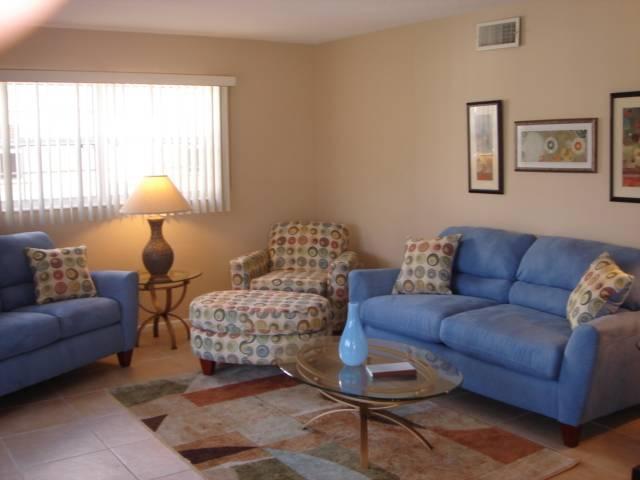 1000 sq. ft villa in Island House Beach Resort - Villa 25 - Image 1 - Siesta Key - rentals