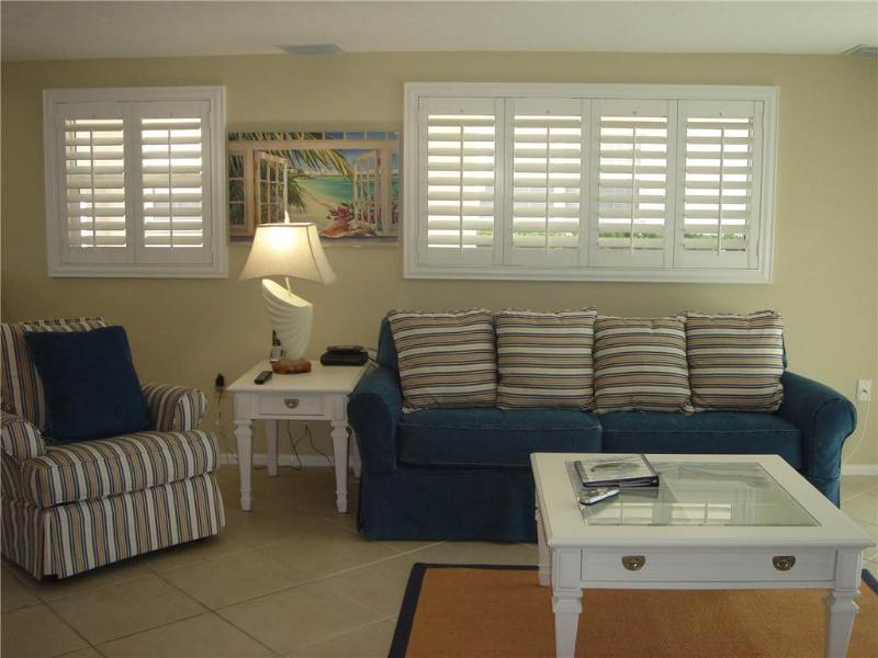 2BR unbelievably close to blue waters of the Gulf - Villa 5 - Image 1 - Siesta Key - rentals