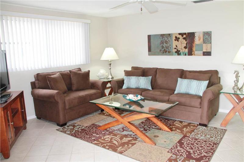 Wonderful 2BR  w/ 2 beach cabanas & heated pool - Villa 8 - Image 1 - Siesta Key - rentals