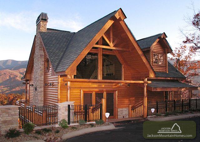 Kodiak Mountain Lodge  Views Pool Access Hot Tub Game Room Free Nights - Image 1 - Gatlinburg - rentals