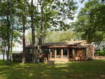 Super House in Belmont (306) - Image 1 - Belmont - rentals