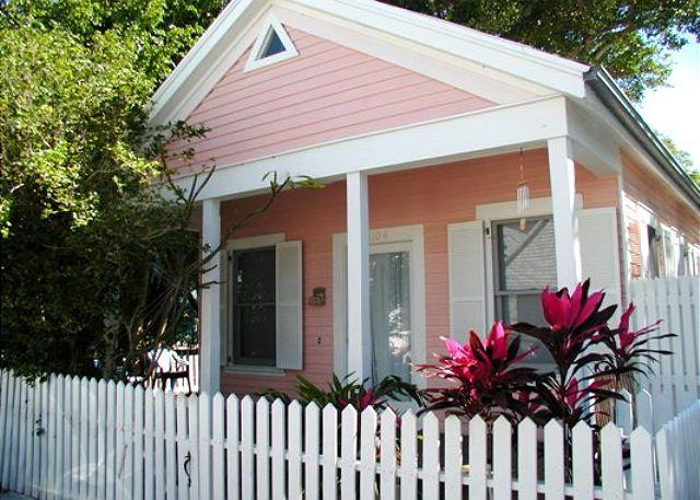 Angela Cottage: A hideaway in Old Town - Image 1 - Key West - rentals