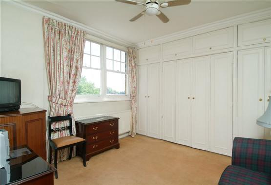 MURPHYBED%20IN%20CLOSET%20 - Kensington Studio (2443) - London - rentals