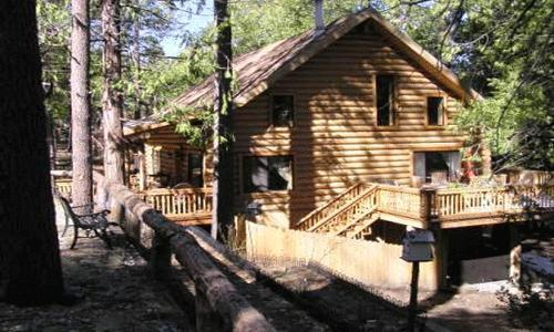 2 Bedroom + Guest cabin, Sleeps 8, Wifi, Pets Ok: Two story natural log cabin - Eagles Nest - Idyllwild - rentals