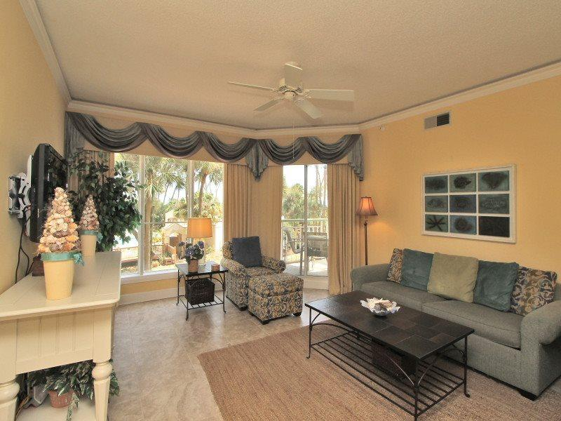 Living Room at 106 Windsor Place - 106 Windsor Place - Palmetto Dunes - rentals