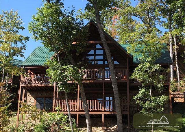Chimney Top Overlook  Pool Access Hot Tub View Arcade WiFi Free Nights - Image 1 - Gatlinburg - rentals