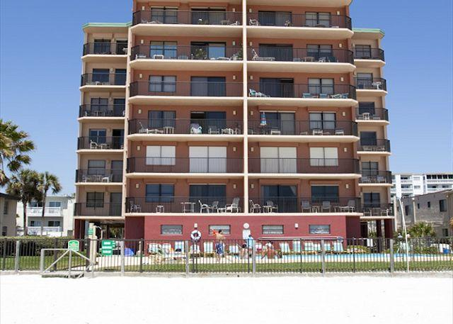Beachfront condominium located directly on the Gulf of Mexico in North Redington Beach. - Emerald Isle #604 - North Redington Beach - rentals