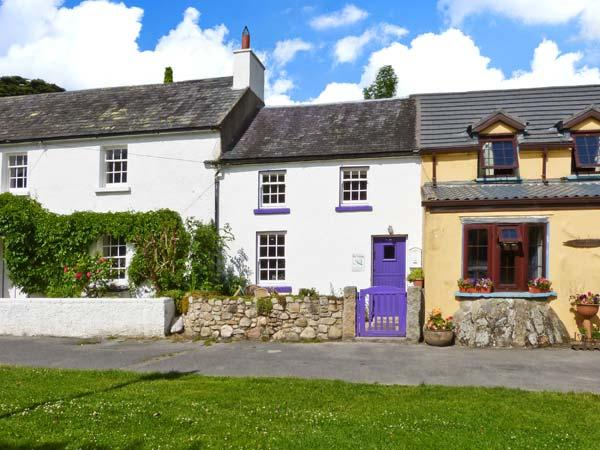 KEY COTTAGE, character, open plan, multi-fuel stove, in St Mullins, Ref 13412 - Image 1 - St Mullins - rentals