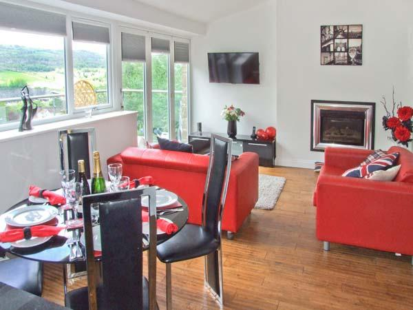 MASSON VIEW APARTMENT, en-suite, WiFi, Jacuzzi bath, delightful views, apartment in Matlock, Ref. 912197 - Image 1 - Matlock - rentals