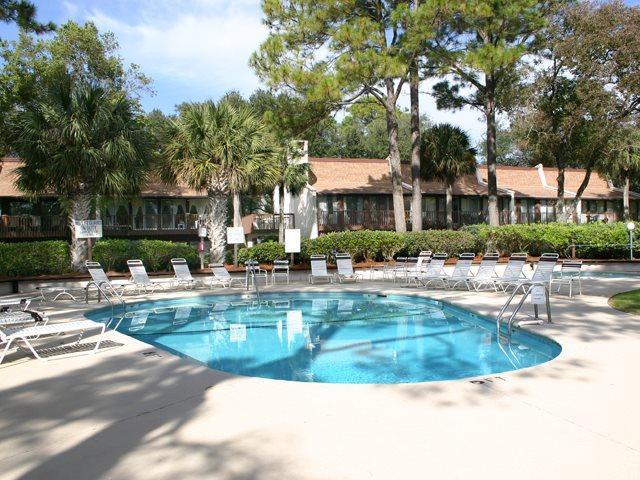 Pool area - Hilton Head Beach Villas, 25 - Hilton Head - rentals