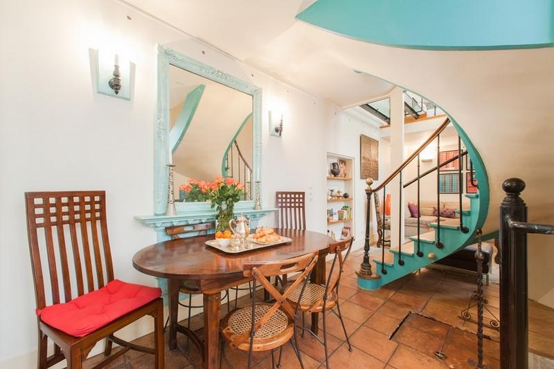 House with 3 bedrooms & 2 bathrooms in Le Marais - Image 1 - Paris - rentals