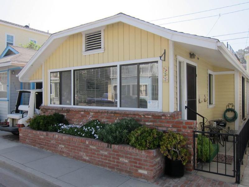 327 Claressa Ave. - Image 1 - Catalina Island - rentals