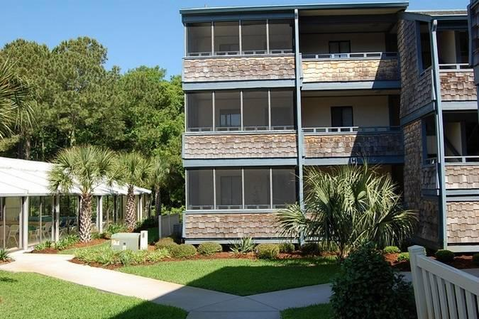 Summer Tree Village 2 Bedroom Condo with a Pool and Hot Tub - Image 1 - Myrtle Beach - rentals