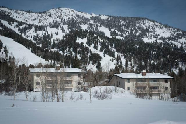 Lovely Condo with 2 Bedroom/3 Bathroom in Teton Village (2.5bd/2.5ba Whiteridge A 4) - Image 1 - Teton Village - rentals