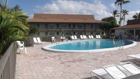 Pool - Sea W F-10 - Seabreeze West - Marco Island - rentals